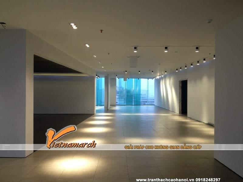 den-roi-ray-tran-thach-cao-showroom-bep-siematic-so-8-ton-that-thuyet-ha-noi-05