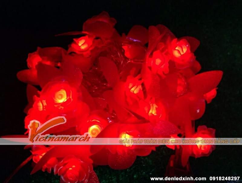 đèn trang trí hình hoa hông đỏ