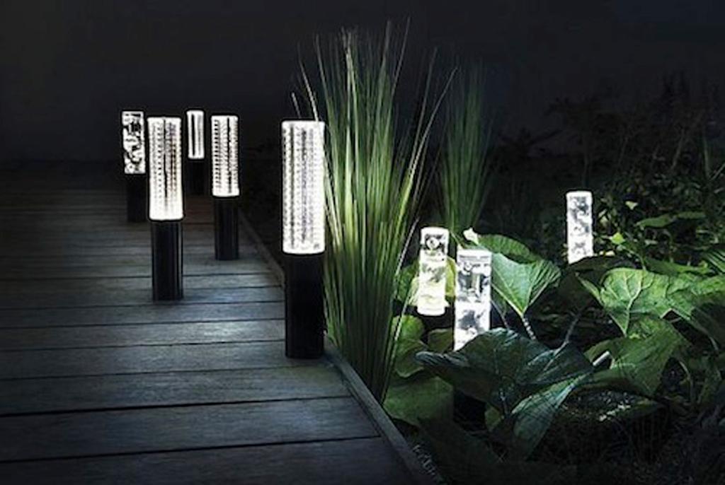 Đèn LED năng lượng mặt trời đẹp và ấn tượng