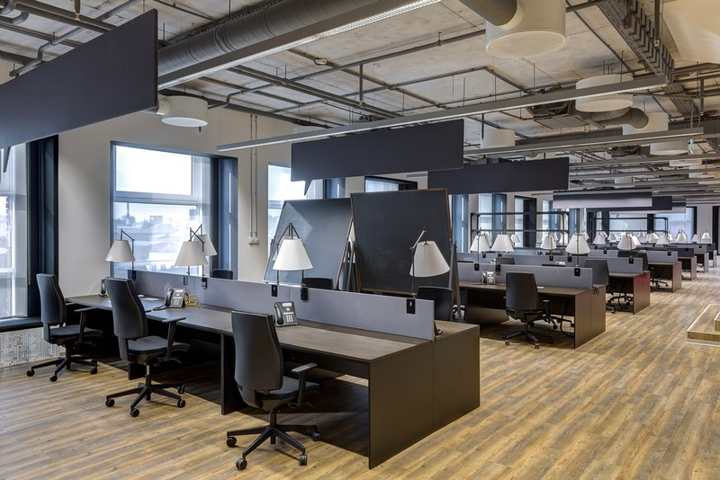 Mẫu thiết kế nội thất văn phòng phong cách công nghiệp mạnh mẽ